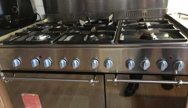Professional oven cleaning work